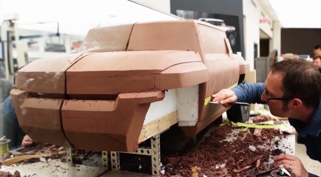 GMC Hummer EV - Debut Reveal Announcement - July 2020 - Teaser Video - SUT - pickup truck - clay model - screen grab 005