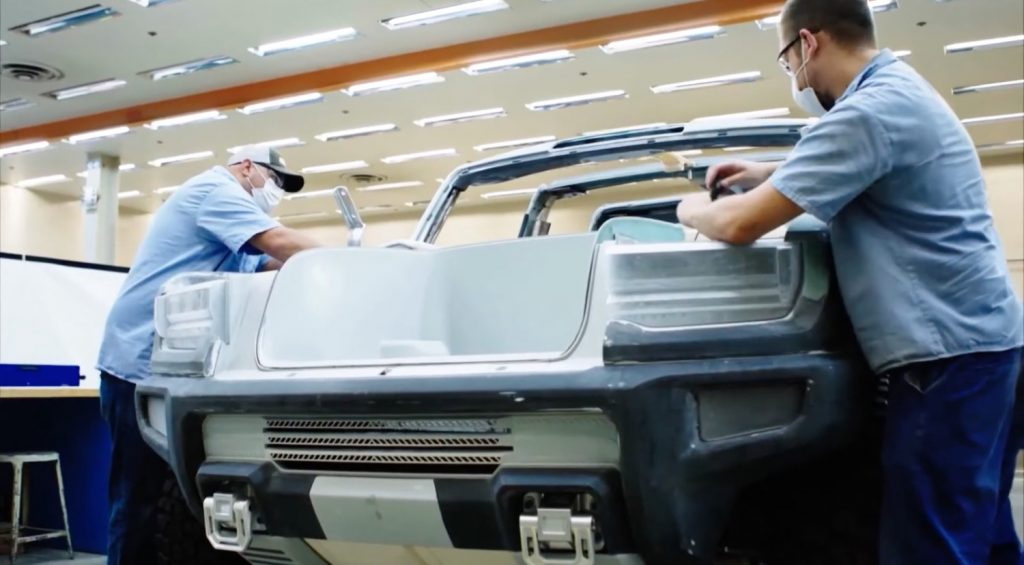 GMC Hummer EV - Debut Reveal Announcement - July 2020 - Teaser Video - SUT - pickup truck - prototype - screen grab 006